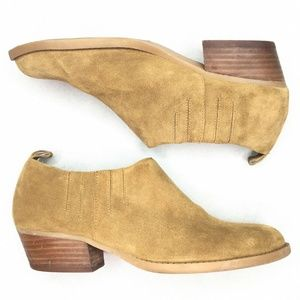 Nine West Kaitlyn Tan Booties Fall Pull On Stacked